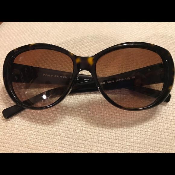 d5237f0292c ⬇️price drop🏝Tory Burch Sunglasses. M 5a842538a44dbe8a3c7b09bb